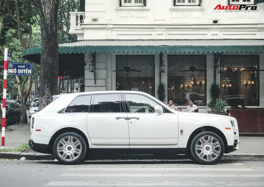 Vừa khui công, Rolls-Royce Cullinan đầu tiên Việt Nam đã cùng chủ nhân dạo phố Hà Nội - Ảnh 5.