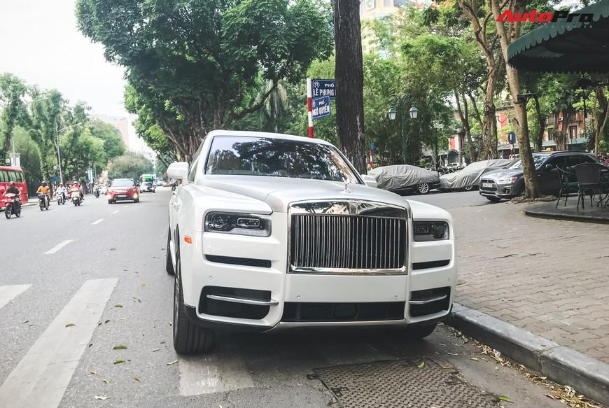 Vừa khui công, Rolls-Royce Cullinan đầu tiên Việt Nam đã cùng chủ nhân dạo phố Hà Nội - Ảnh 3.