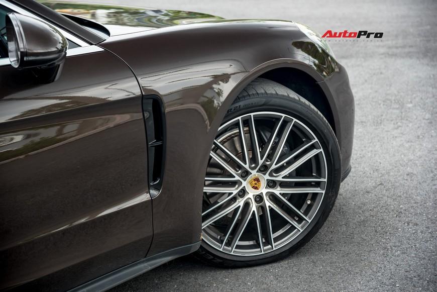 Bán Porsche Panamera sau 23.000 km, đại gia Việt vẫn dư tiền sắm SUV Cayenne - Ảnh 3.