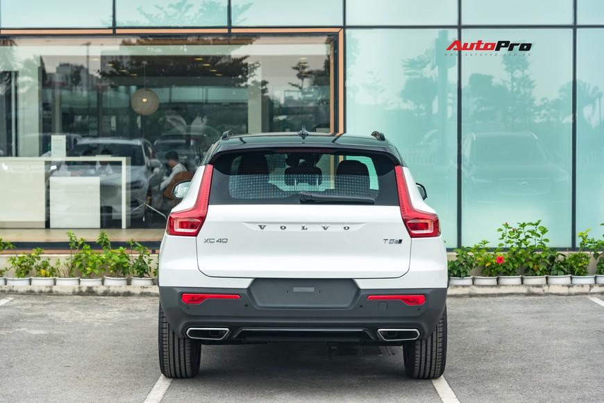 Đánh giá nhanh Volvo XC40 giá 1,75 tỷ đồng: Lật mở nhiều bất ngờ sau mẫu SUV tưởng nhỏ con và chỉ dành cho đô thị - Ảnh 8.