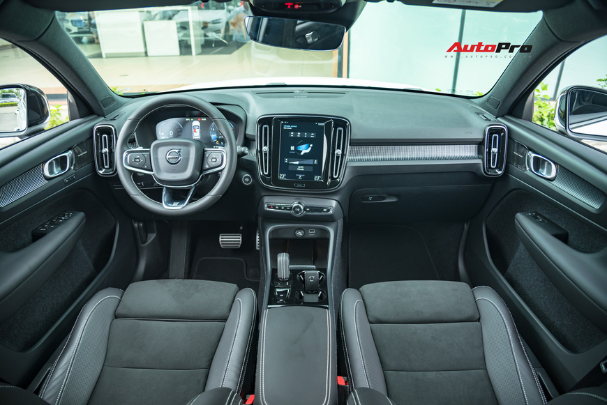 Đánh giá nhanh Volvo XC40 giá 1,75 tỷ đồng: Lật mở nhiều bất ngờ sau mẫu SUV tưởng nhỏ con và chỉ dành cho đô thị - Ảnh 11.