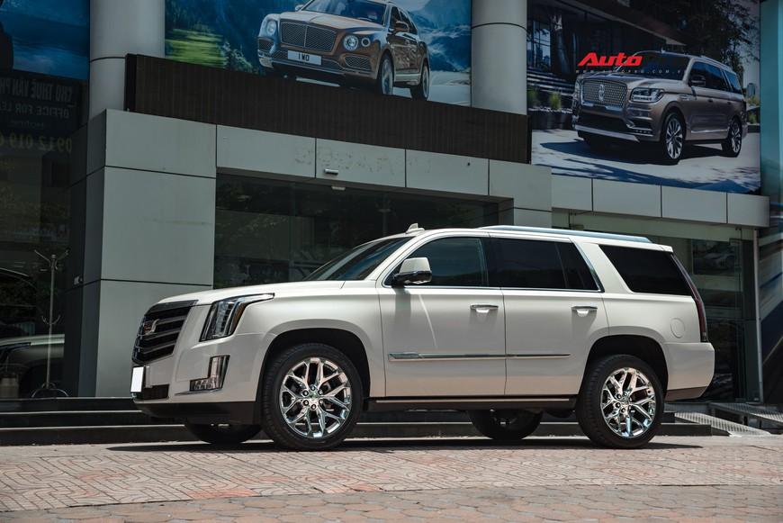 Cadillac Escalade 2015 giá 4,8 tỷ đồng - Khủng long Mỹ giữ chất sau 4 năm tuổi - Ảnh 2.