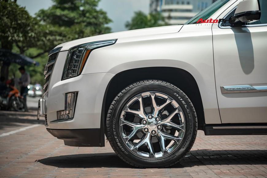 Cadillac Escalade 2015 giá 4,8 tỷ đồng - Khủng long Mỹ giữ chất sau 4 năm tuổi - Ảnh 3.