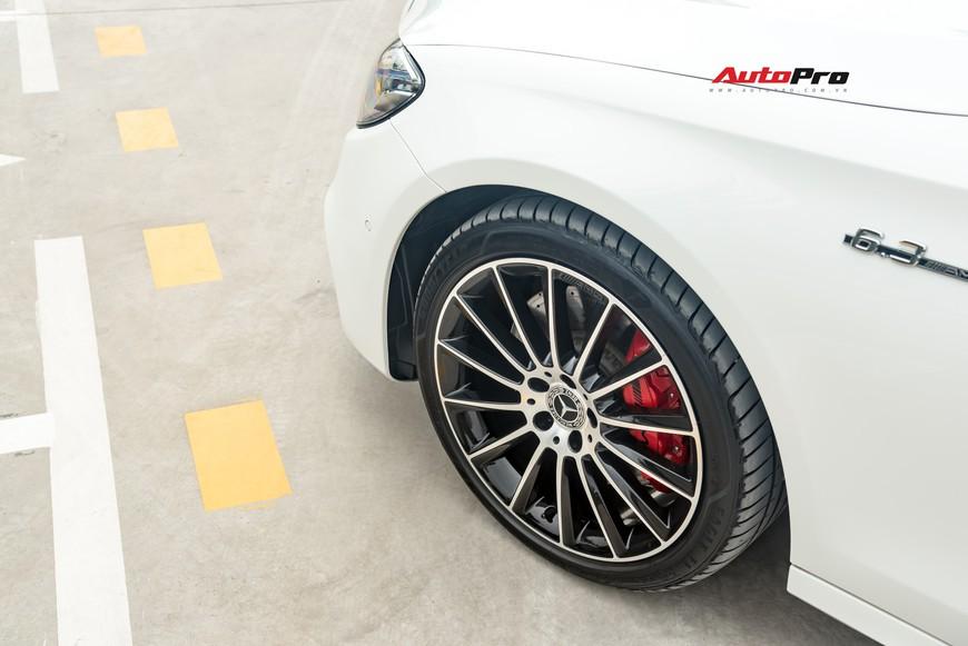 Đại gia Hà Nội bán Mercedes-Benz E300 AMG 2 năm tuổi chỉ lỗ 200 triệu là nhờ vào bí quyết này - Ảnh 4.