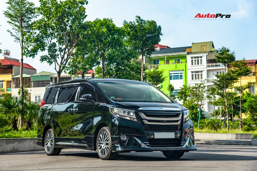 Chạy 8.000 km, Toyota Alphard độ khủng bán lại chỉ thua giá mua mới 38 triệu đồng - Ảnh 11.