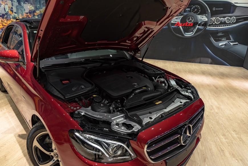 Đánh giá nhanh Mercedes-Benz E-Class 2019: Đe doạ cả BMW 3-Series mới sắp về Việt Nam - Ảnh 7.