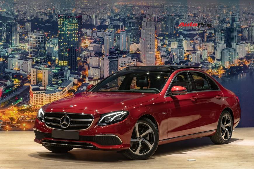 Đánh giá nhanh Mercedes-Benz E-Class 2019: Đe doạ cả BMW 3-Series mới sắp về Việt Nam - Ảnh 2.