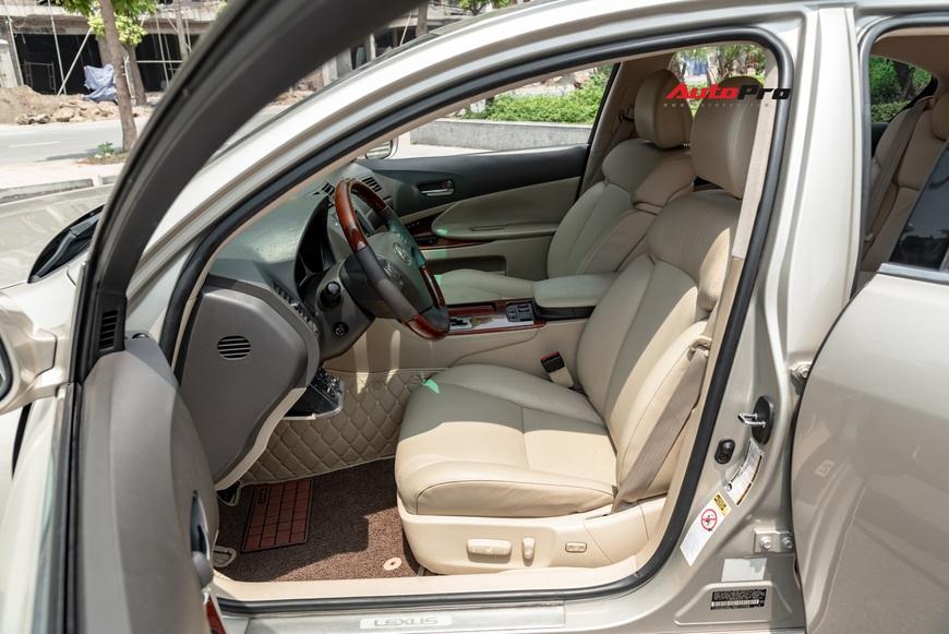 Qua thời đỉnh cao, Lexus GS 350 bán lại chỉ hơn 700 triệu đồng - Ảnh 8.