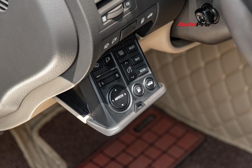 Qua thời đỉnh cao, Lexus GS 350 bán lại chỉ hơn 700 triệu đồng - Ảnh 7.