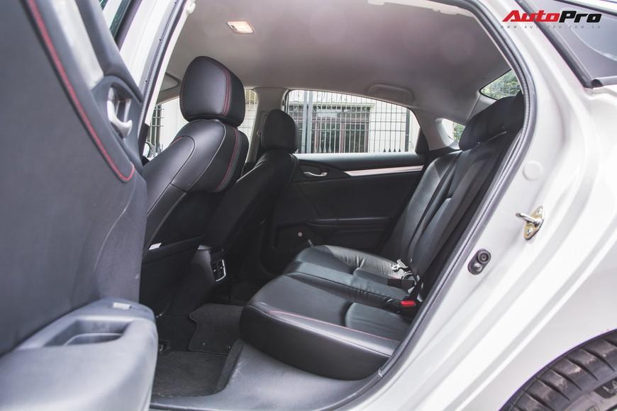 Đánh giá Honda Civic RS 2019 - Lựa chọn cần cả con tim và lý trí - Ảnh 10.