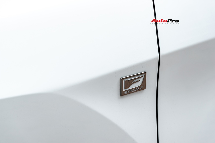3 năm tuổi, Lexus RX350 F-Sport vẫn giữ giá hơn 3,8 tỷ đồng - Ảnh 2.