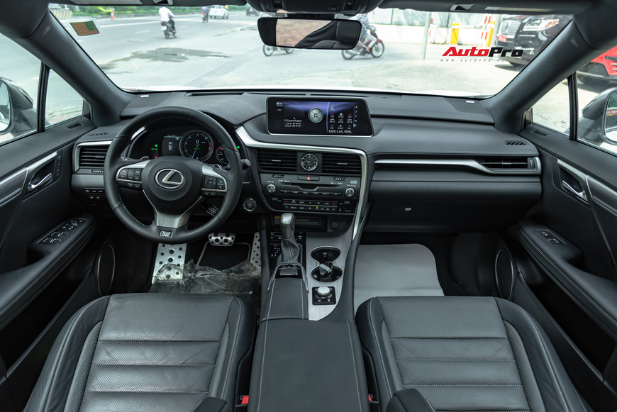 3 năm tuổi, Lexus RX350 F-Sport vẫn giữ giá hơn 3,8 tỷ đồng - Ảnh 7.