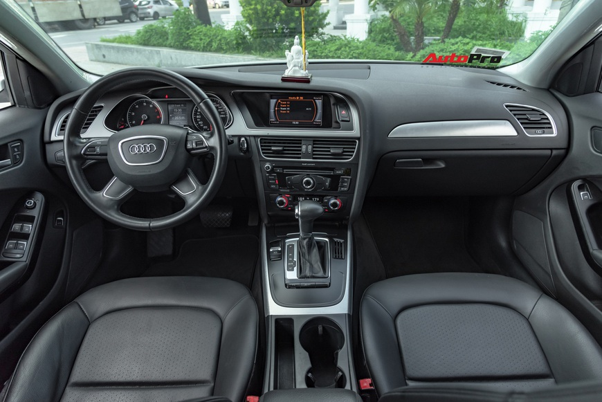 Cảm nhận nhanh Audi A4 giá hơn 800 triệu: Còn lại gì sau 60.000 km? - Ảnh 6.