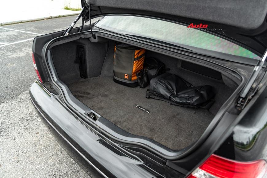 Lexus LS430 13 năm tuổi: Thừa sang trọng dù giá chỉ 650 triệu đồng - Ảnh 4.
