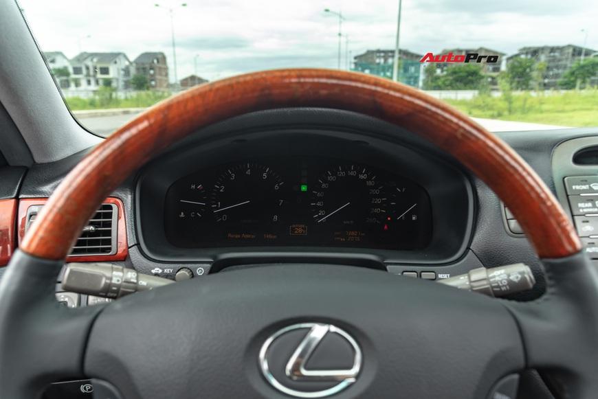 Lexus LS430 13 năm tuổi: Thừa sang trọng dù giá chỉ 650 triệu đồng - Ảnh 11.