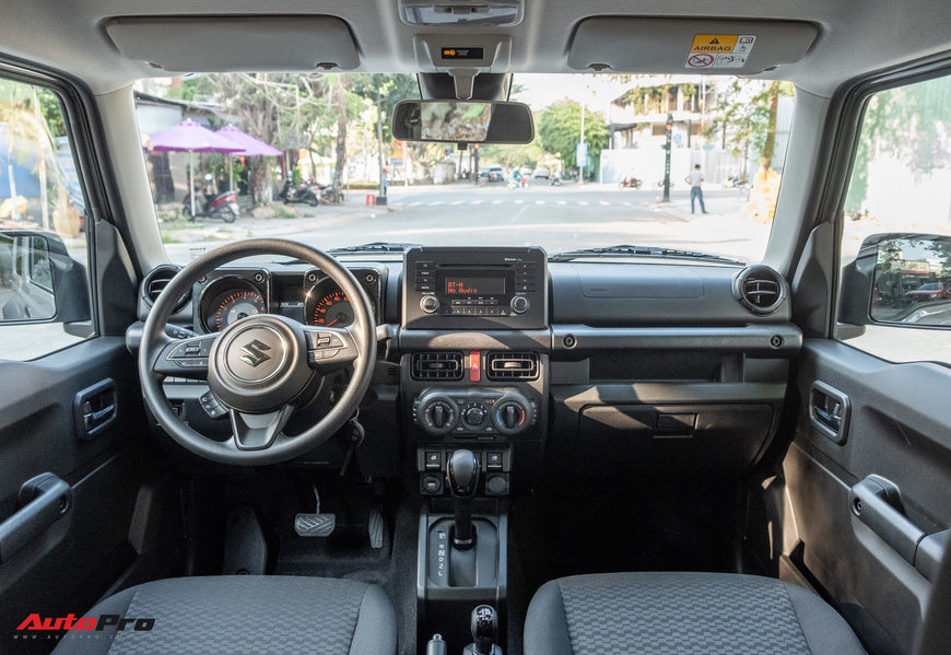 Chi tiết Suzuki Jimny giá 1,4 tỷ đồng tại Việt Nam - lý giải mức giá ngang với Mazda CX-8 bản cao cấp - Ảnh 12.