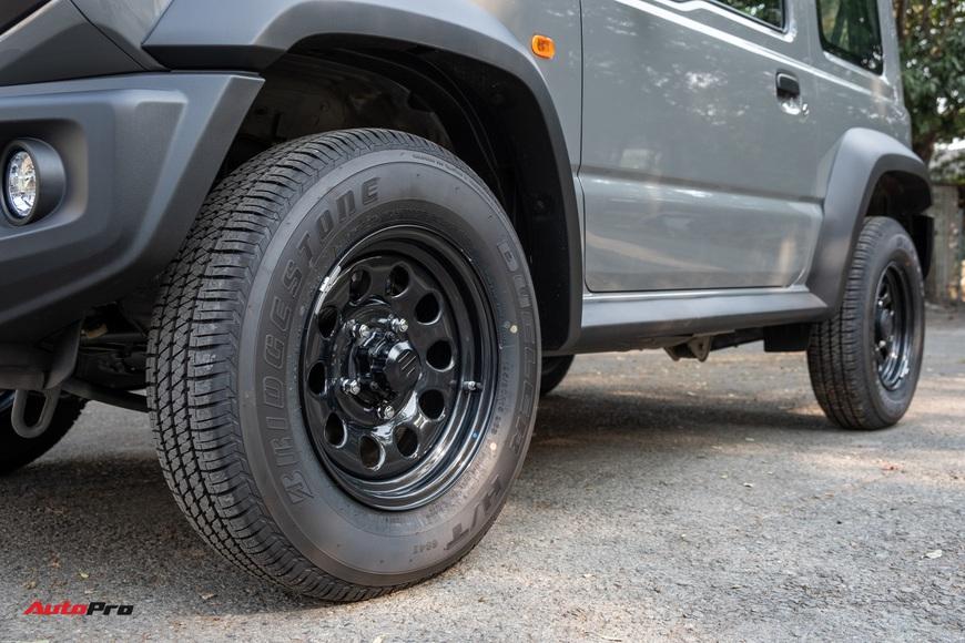 Chi tiết Suzuki Jimny giá 1,4 tỷ đồng tại Việt Nam - lý giải mức giá ngang với Mazda CX-8 bản cao cấp - Ảnh 7.