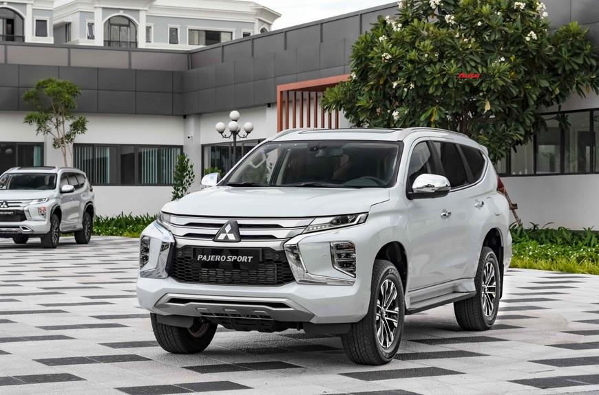 Mitsubishi Pajero Sport 2020 giá từ 1,11 tỷ đồng - Lật 'thế cờ' công nghệ với Toyota Fortuner - Ảnh 10.