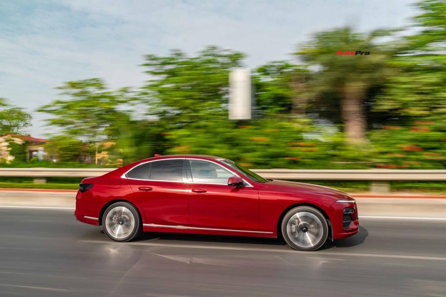 [Chém xe] VinFast Lux A2.0: Liệu đã xứng danh BMW Việt? - Ảnh 19.
