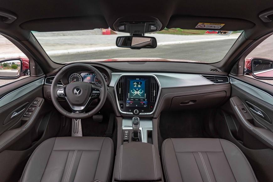 [Chém xe] VinFast Lux A2.0: Liệu đã xứng danh BMW Việt? - Ảnh 16.