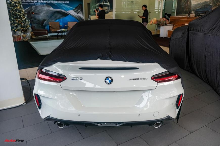 Minh nhựa lái Rolls-Royce tới mua 3 chiếc BMW giá hơn 12 tỷ cùng lúc: X3, X7 và cả Z4 mới về Việt Nam - Ảnh 11.