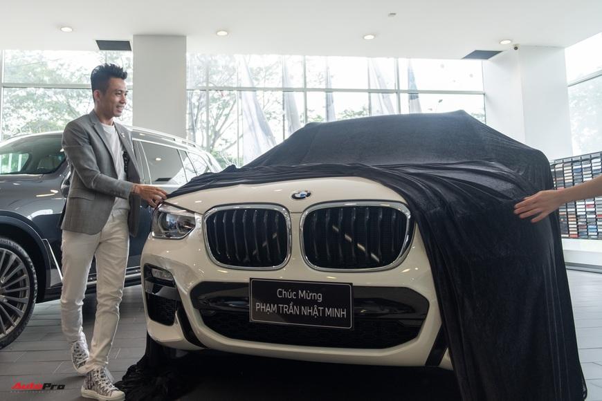 Minh nhựa lái Rolls-Royce tới mua 3 chiếc BMW giá hơn 12 tỷ cùng lúc: X3, X7 và cả Z4 mới về Việt Nam - Ảnh 6.