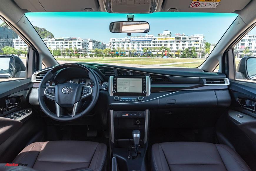[Chém xe] Toyota Innova - MPV thực dụng quyết thoát khỏi cái bóng bình dân, tìm lại hào quang - Ảnh 3.