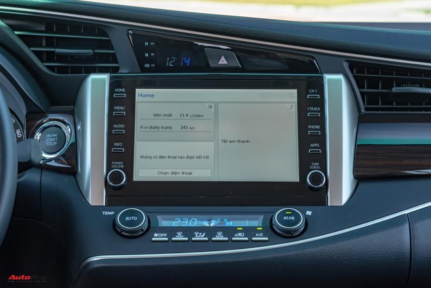 [Chém xe] Toyota Innova - MPV thực dụng quyết thoát khỏi cái bóng bình dân, tìm lại hào quang - Ảnh 6.