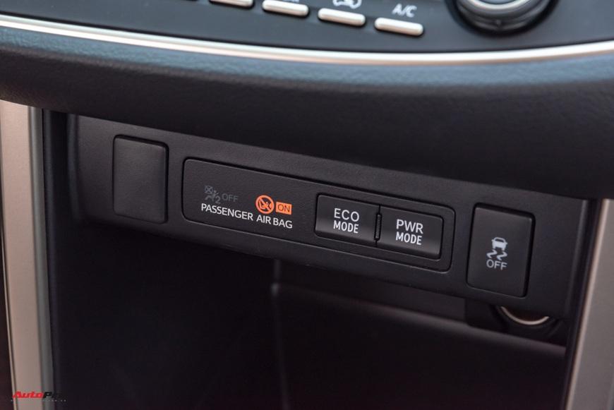 [Chém xe] Toyota Innova - MPV thực dụng quyết thoát khỏi cái bóng bình dân, tìm lại hào quang - Ảnh 23.