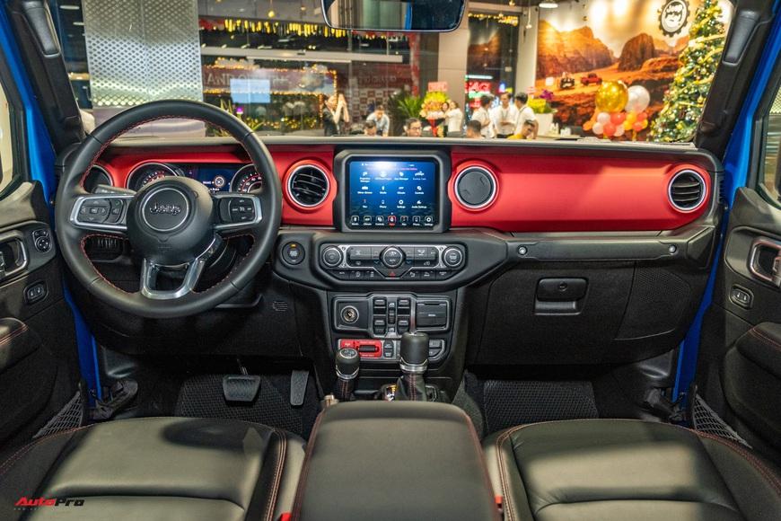 Đánh giá nhanh Jeep Gladiator Rubicon giá 3,498 tỷ đồng tại Việt Nam - Bán tải chất chơi cho nhà giàu - Ảnh 13.
