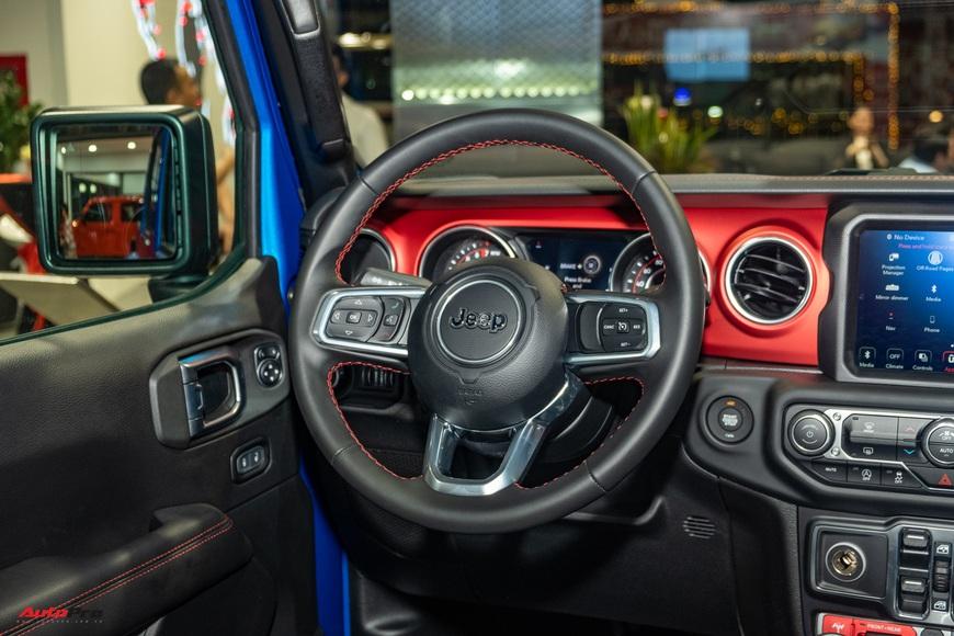 Đánh giá nhanh Jeep Gladiator Rubicon giá 3,498 tỷ đồng tại Việt Nam - Bán tải chất chơi cho nhà giàu - Ảnh 14.