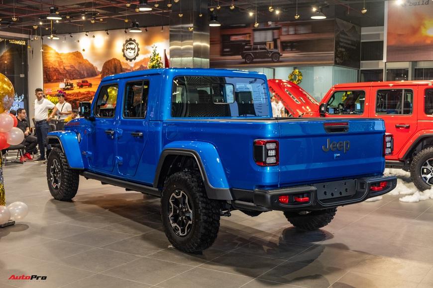 Đánh giá nhanh Jeep Gladiator Rubicon giá 3,498 tỷ đồng tại Việt Nam - Bán tải chất chơi cho nhà giàu - Ảnh 11.