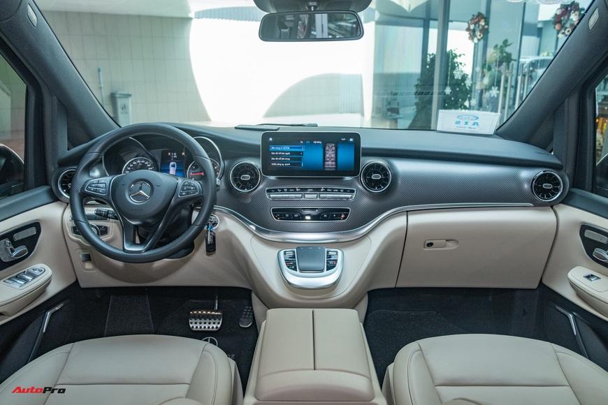 Đánh giá nhanh Mercedes-Benz V 250 AMG: Hơn 3 tỷ đổi đẳng cấp thương gia cho người Việt - Ảnh 15.