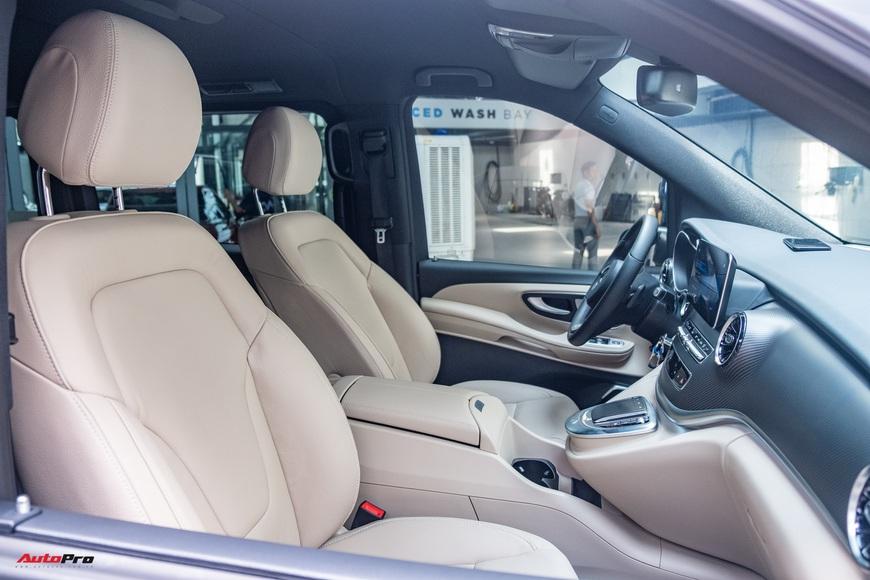 Đánh giá nhanh Mercedes-Benz V 250 AMG: Hơn 3 tỷ đổi đẳng cấp thương gia cho người Việt - Ảnh 16.