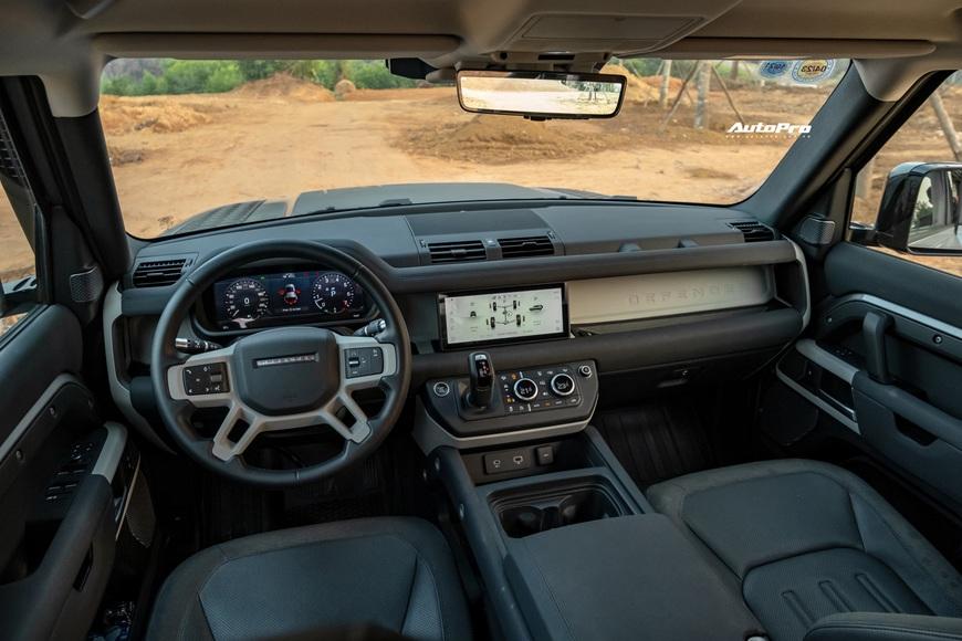 [Chém xe] Land Rover Defender - Ty tỷ thứ hay ho dùng hàng ngày nếu không quẩy địa hình theo cách nhà giàu - Ảnh 10.