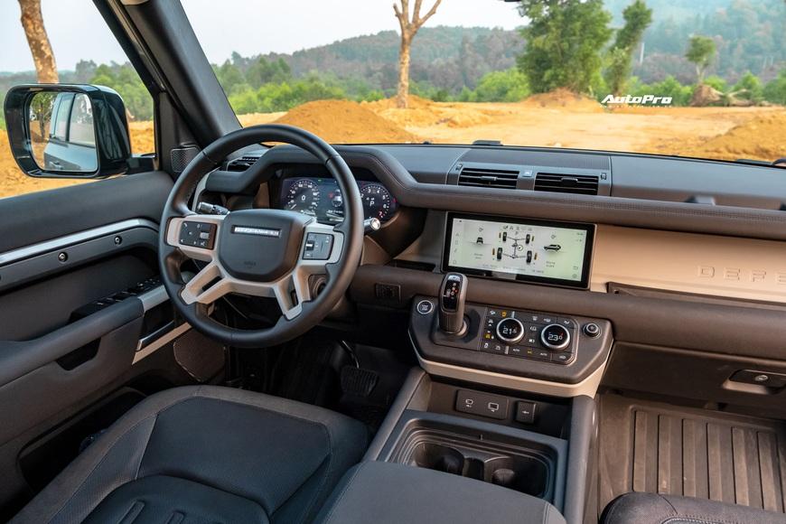 [Chém xe] Land Rover Defender - Ty tỷ thứ hay ho dùng hàng ngày nếu không quẩy địa hình theo cách nhà giàu - Ảnh 34.