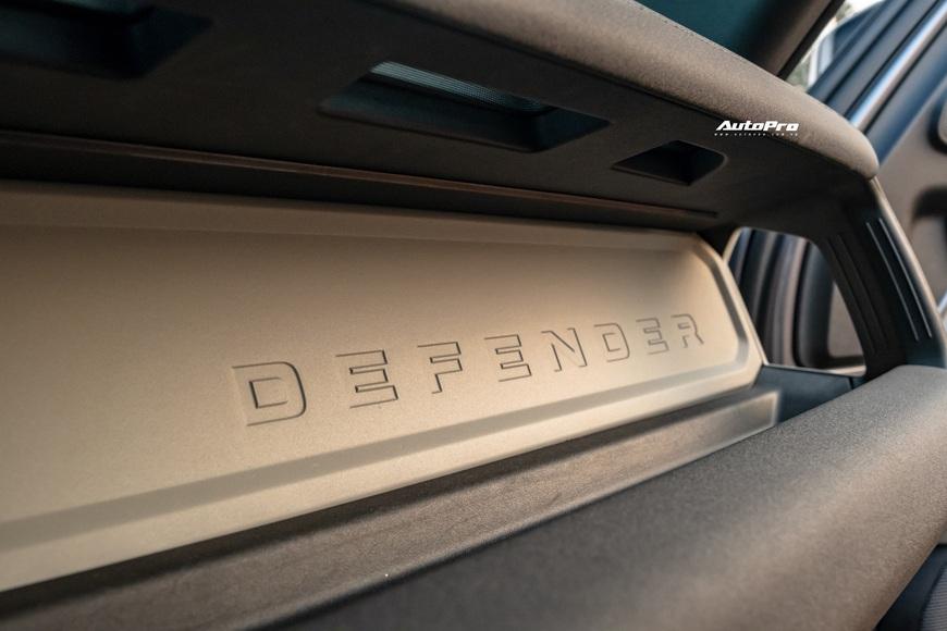 [Chém xe] Land Rover Defender - Ty tỷ thứ hay ho dùng hàng ngày nếu không quẩy địa hình theo cách nhà giàu - Ảnh 12.