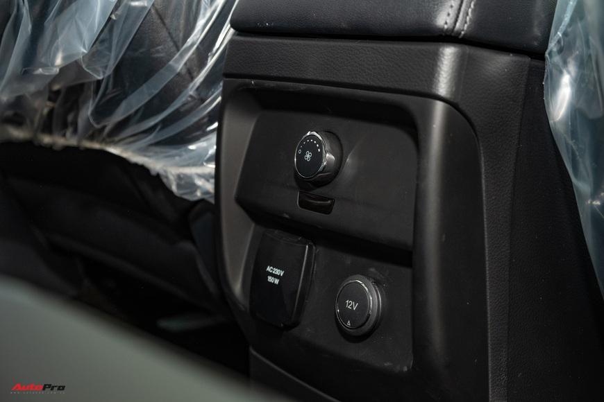 Chi tiết Ford Everest 2021 giá từ 999 triệu đồng tại đại lý: Đã fix lỗi chảy dầu, bám đuổi Toyota Fortuner và Hyundai Santa Fe - Ảnh 14.