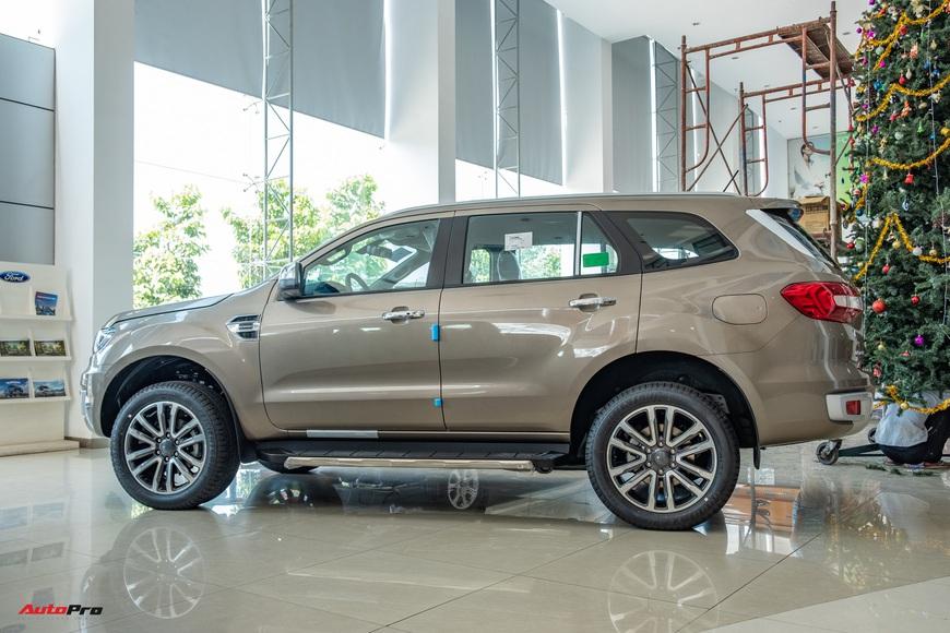 Chi tiết Ford Everest 2021 giá từ 999 triệu đồng tại đại lý: Đã fix lỗi chảy dầu, bám đuổi Toyota Fortuner và Hyundai Santa Fe - Ảnh 6.