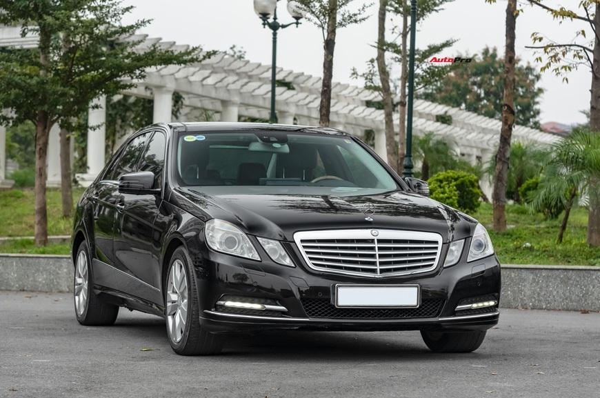 Đại gia Việt bán Mercedes-Benz E 300 độ ngược, giá rẻ hơn Mazda3 2019 hàng chục triệu đồng - Ảnh 9.