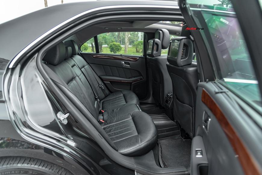 Đại gia Việt bán Mercedes-Benz E 300 độ ngược, giá rẻ hơn Mazda3 2019 hàng chục triệu đồng - Ảnh 8.
