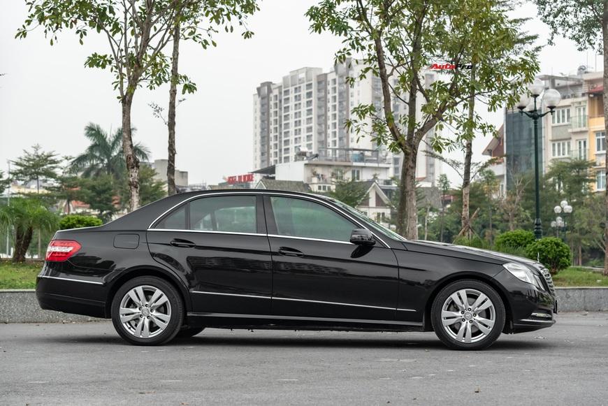 Đại gia Việt bán Mercedes-Benz E 300 độ ngược, giá rẻ hơn Mazda3 2019 hàng chục triệu đồng - Ảnh 2.