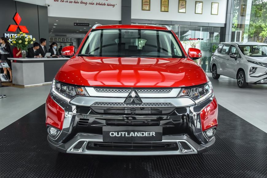 Đánh giá nhanh Mitsubishi Outlander: 15 điểm mới, giá gần như không đổi và cơ hội bám đuổi Honda CR-V, Mazda CX-5 - Ảnh 2.