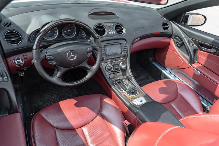 Cảm nhận nhanh xe nhà giàu Mercedes-Benz SL 550 sau 13 năm tuổi: mua gần 400 mã lực với giá Toyota Camry - Ảnh 4.