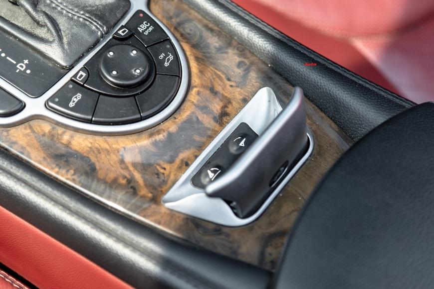 Cảm nhận nhanh xe nhà giàu Mercedes-Benz SL 550 sau 13 năm tuổi: mua gần 400 mã lực với giá Toyota Camry - Ảnh 8.