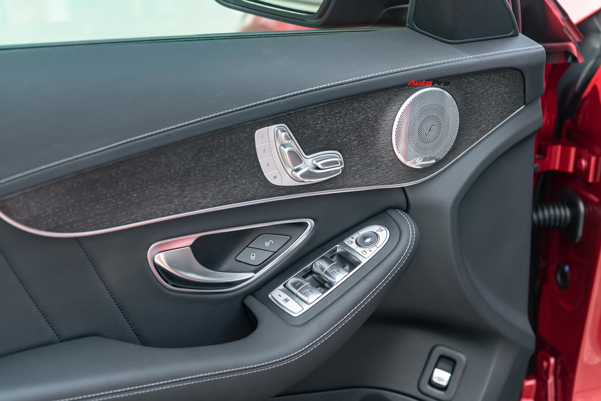 Chạy 7.000 km, đại gia Việt vẫn bán Mercedes-Benz C300 AMG ngang ngửa giá mua mới - Ảnh 6.