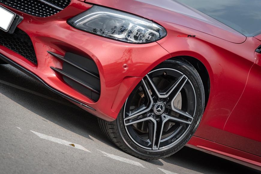 Chạy 7.000 km, đại gia Việt vẫn bán Mercedes-Benz C300 AMG ngang ngửa giá mua mới - Ảnh 2.