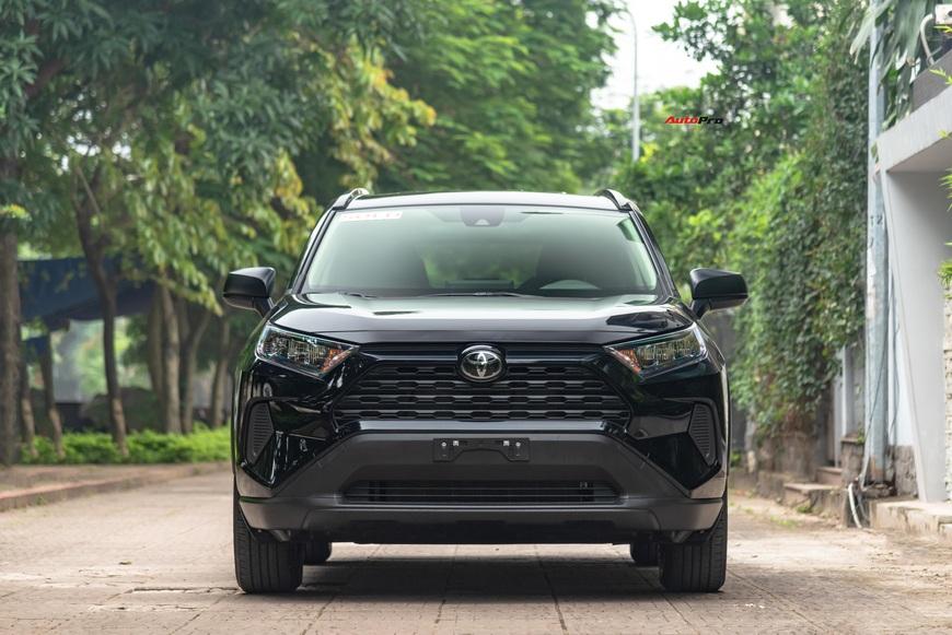 Đánh giá nhanh Toyota RAV4 2020 taxi vừa về Việt Nam: Đừng vội hạ thấp xe 2 tỷ rưỡi nhưng ghế nỉ chỉnh cơ - Ảnh 9.