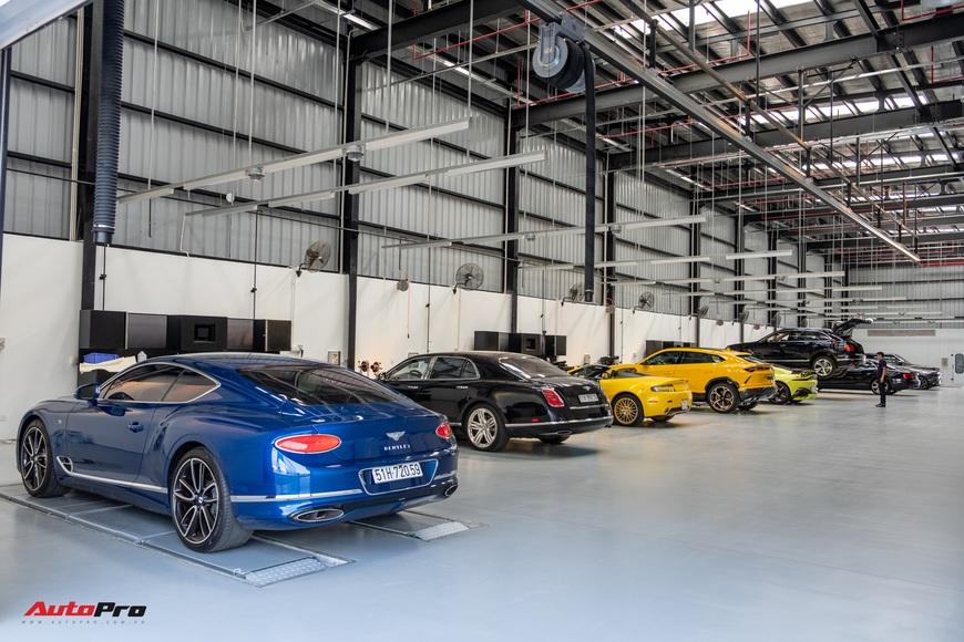 Đột nhập showroom siêu xe, siêu sang lớn nhất Việt Nam sắp khai trương: Ngoài Lamborghini, Bentley, Aston Martin còn 2 thương hiệu bí ẩn khác - Ảnh 12.