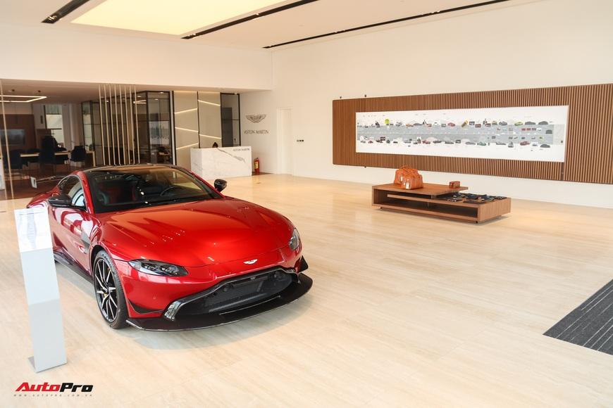 Đột nhập showroom siêu xe, siêu sang lớn nhất Việt Nam sắp khai trương: Ngoài Lamborghini, Bentley, Aston Martin còn 2 thương hiệu bí ẩn khác - Ảnh 7.